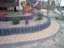 Kostka Nostalit w kolorze żółtym i grafitowym, palisada i obrzeże 6 - grafit (Semmelrock)